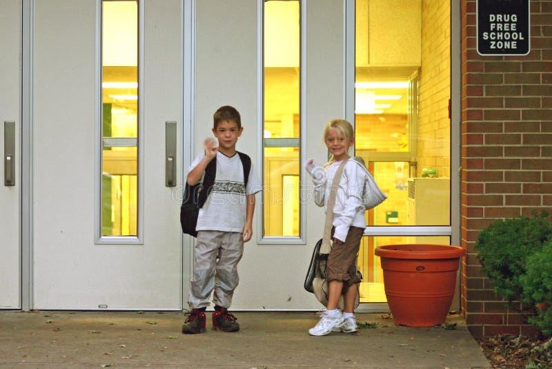Kinder an der Schule lizenzfreies stockfoto
