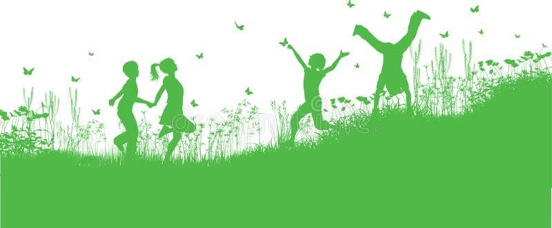 Kinder, die im Gras und in den Blumen spielen stock abbildung