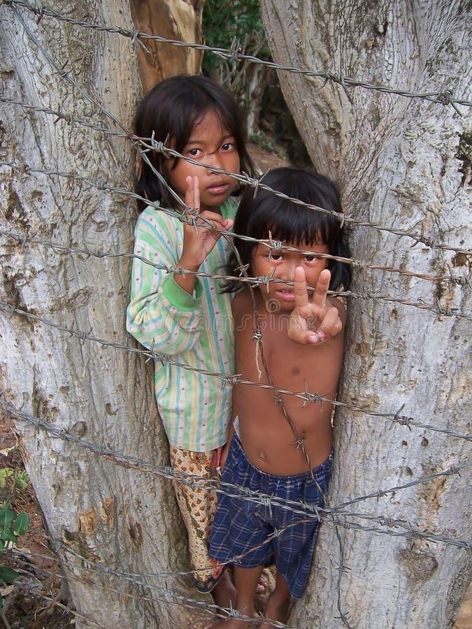Kinder, die Kambodscha bitten stockfotos