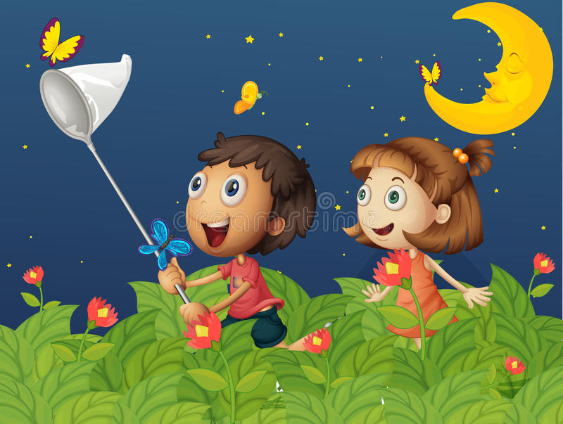 Kinder, die Schmetterlinge unter dem hellen Mond fangen stock abbildung