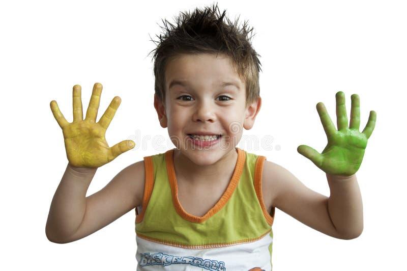 Kinder farbige Hände. Hände des kleinen Jungen. stockfoto