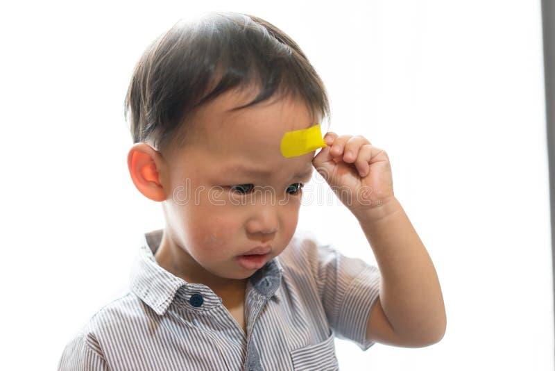 Kinder haben Geschwüre auf dem Kopf lizenzfreie stockfotografie