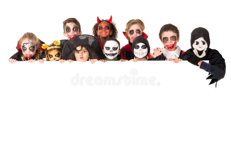 Kinder in Halloween lizenzfreie stockfotos