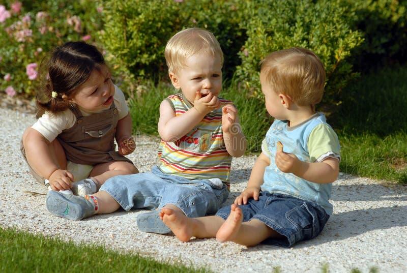 Kinder im Park 31 lizenzfreie stockfotografie