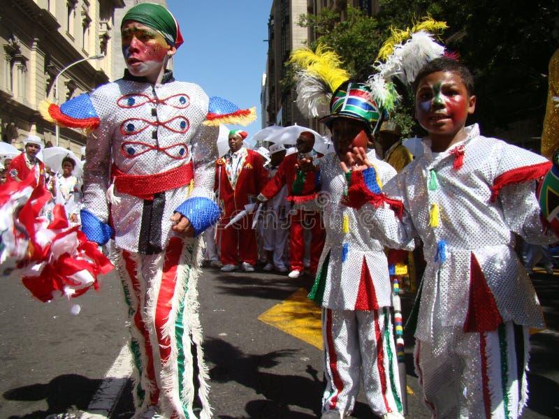 Kinder am Kapstadt-Minnesänger-Karneval lizenzfreie stockbilder