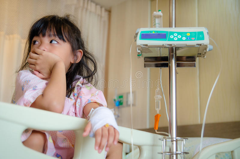 Kinder krank und medizinisch stockbild