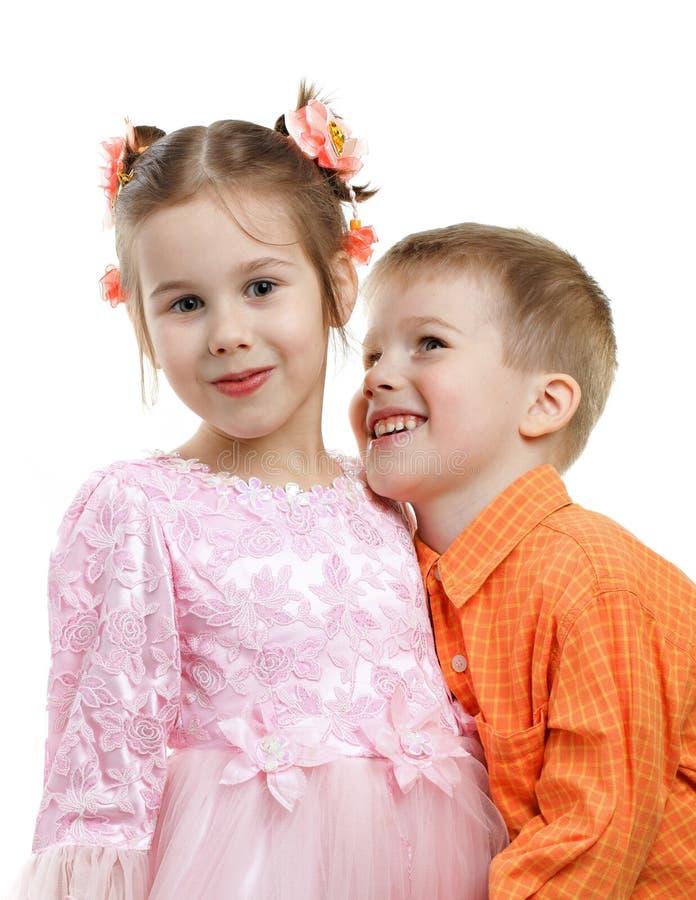 Kinder stellen Paare bildlich dar lizenzfreie stockbilder