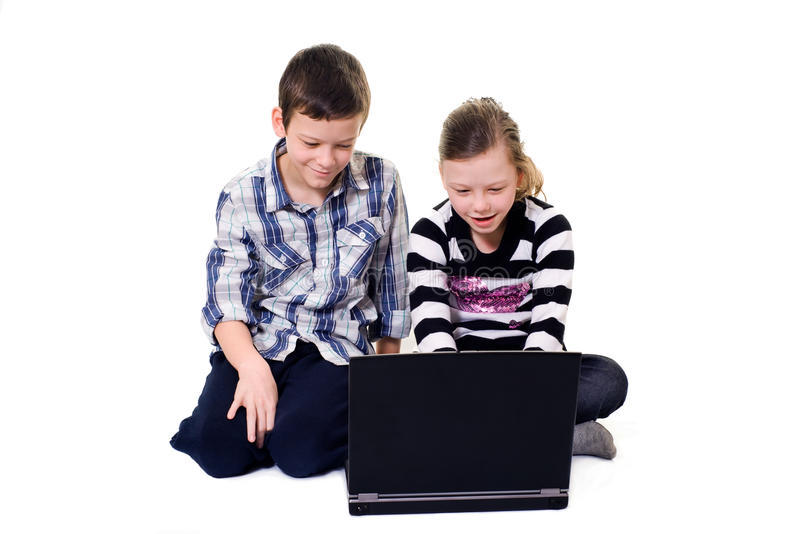 Kinder und Computer stockbild