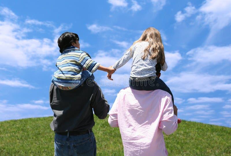 Kinder und Muttergesellschaft stockbilder