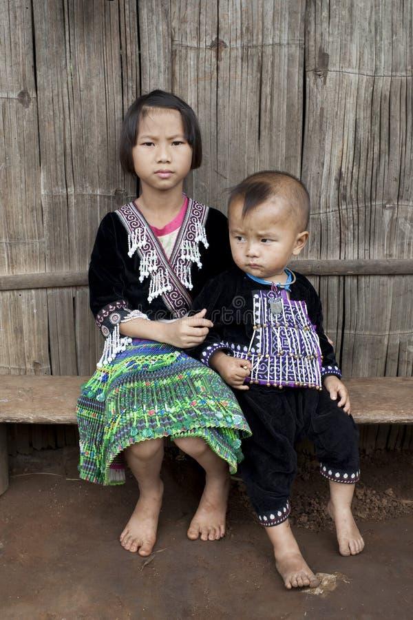 Kinder von Asien, ethnische Gruppe Meo, Hmong stockbilder