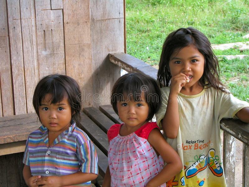 Kinder von Borneo stockbild
