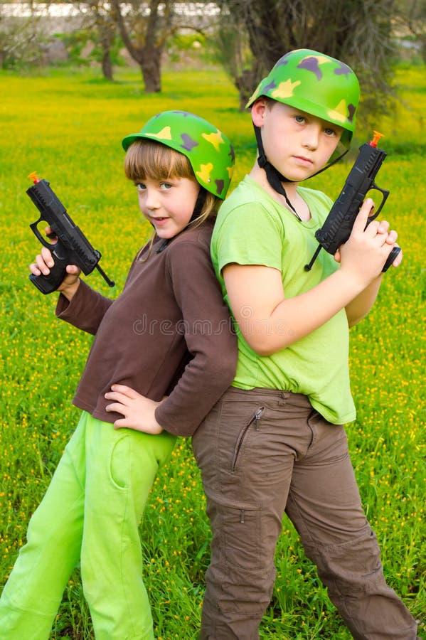 Kinderarmee lizenzfreies stockfoto