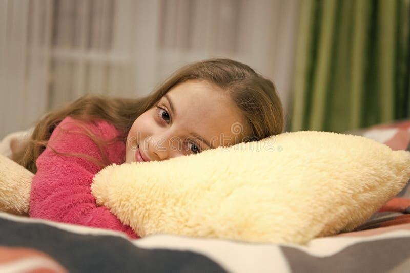 Kinderbetreuungs-Konzept Angenehmes Zeitentspannung Psychische Gesundheit und Bestimmtheit Freie gef?hrte Meditation und Entspann lizenzfreie stockfotos