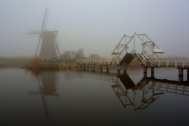 Kinderdijk, odbicie wiatraczek zdjęcie stock