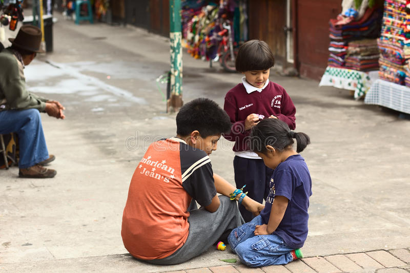 Kinderen in Banos, Ecuador stock foto