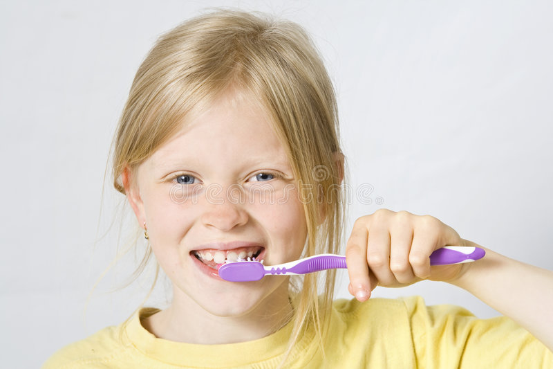 Kinderen die tanden borstelen royalty-vrije stock foto's