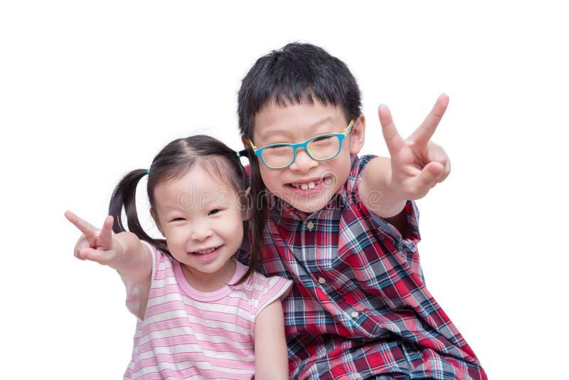 Kinderen glimlachen geïsoleerd over wit royalty-vrije stock foto