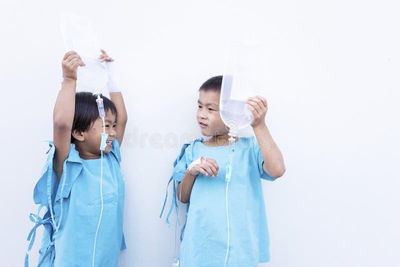 Kinderen in het ziekenhuis stock fotografie