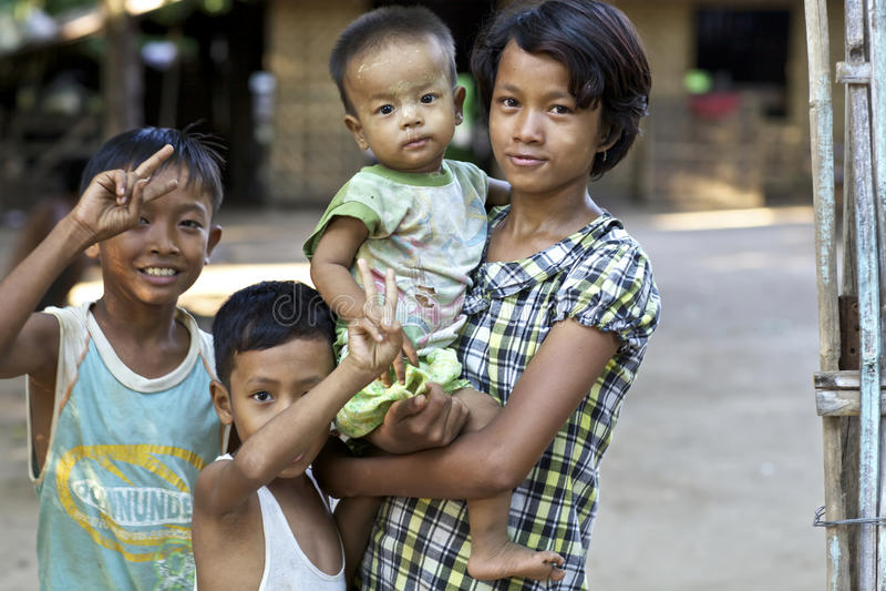 Kinderen Myanmar Birma stock foto