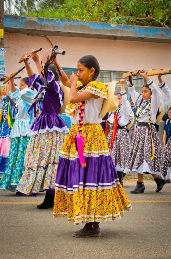 Kinderen op Parade op de Revolutiedag van Mexico stock foto