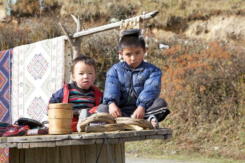 Kinderen uit Bhutan, Bhutan royalty-vrije stock afbeeldingen