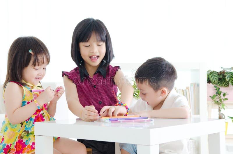 Kindererziehung lizenzfreies stockfoto