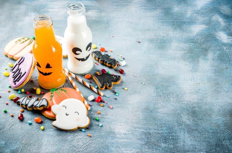 Kinderfestlichkeiten für Halloween stockfotos