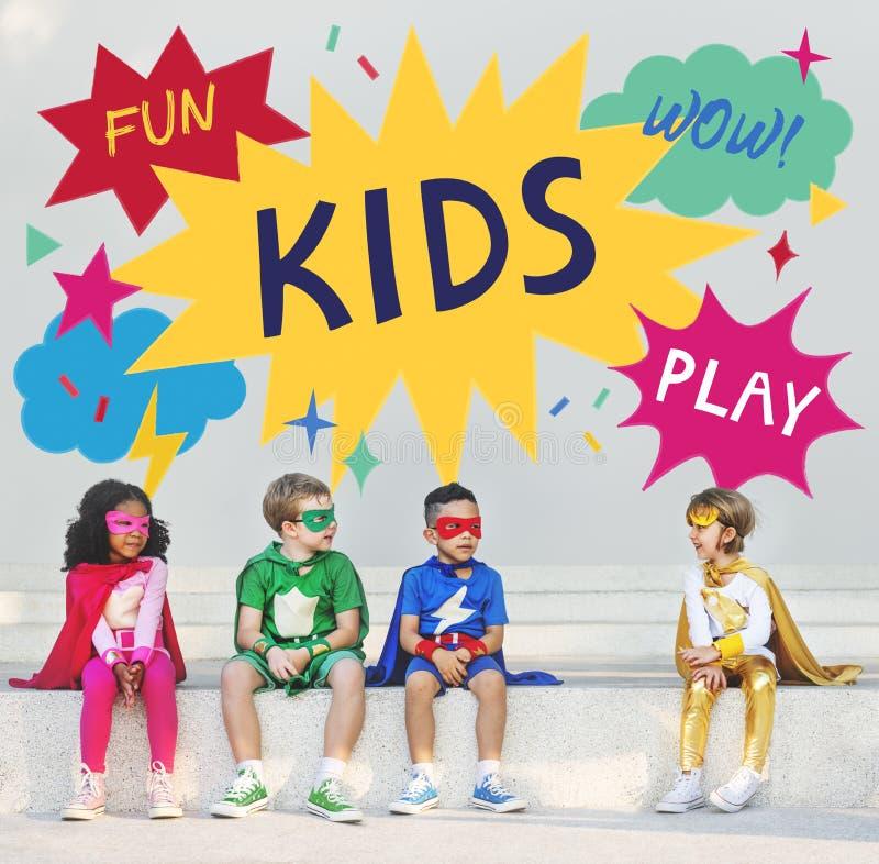 Kinderkinderkinderspielerisches Kindheits-Konzept stockfotografie
