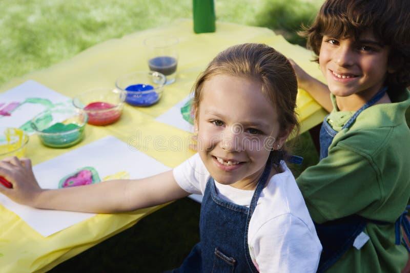 Kindermalen stockbilder