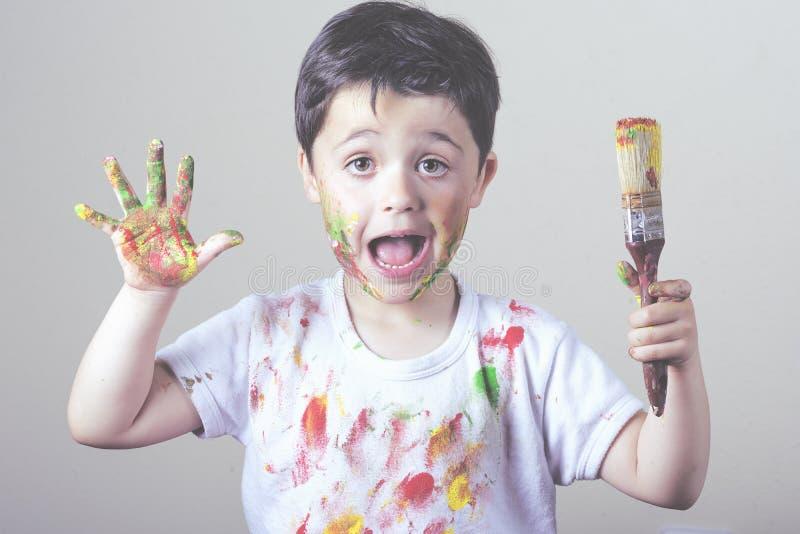 Kindermalerei lizenzfreie stockbilder