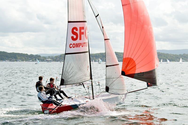 Kindersegelwettbewerb in den Schlauchbooten lizenzfreies stockbild