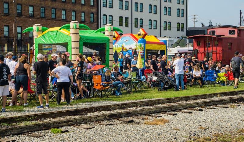 Kinderspielplatz beim dritten jährlichen Big-Lick-Train-Tug lizenzfreies stockbild