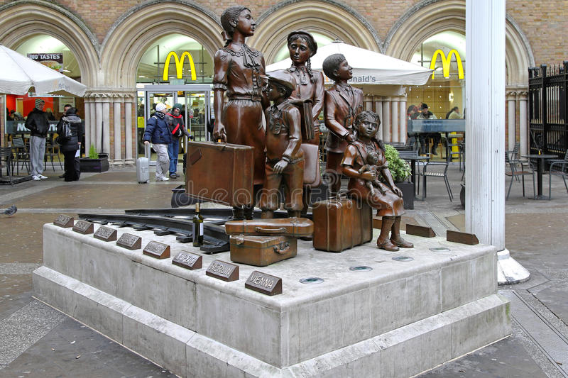 Kindertransport minnesmärke London arkivbild