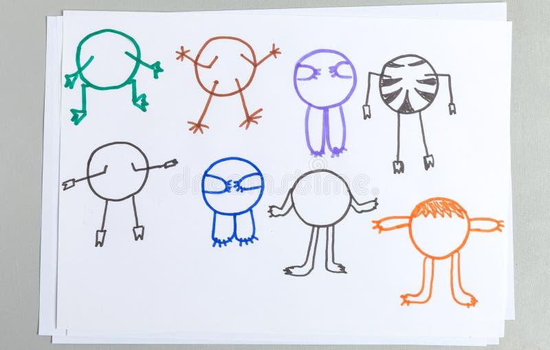 Kinderzeichnungssatz des unterschiedlichen Tierkörpers mit den Armen und den Beinen lizenzfreie abbildung