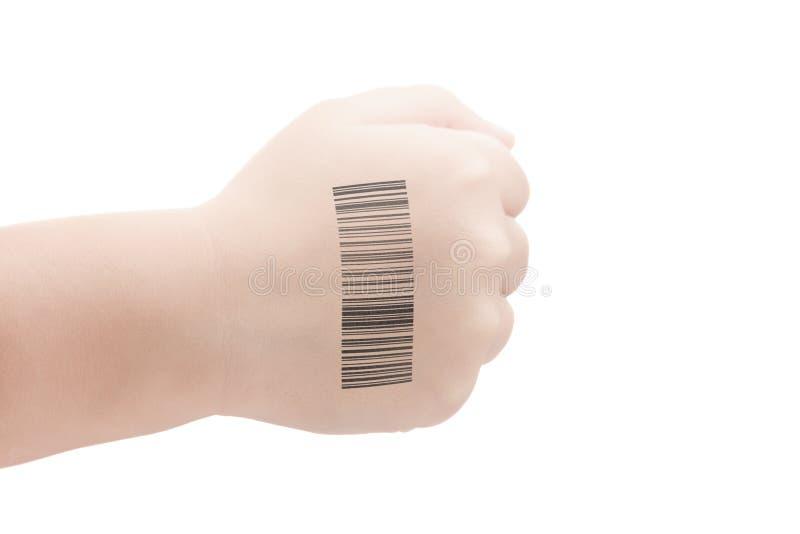 Kindhand met QR-code van genetische experimenten Kloon van DNA en menselijk genoom Kunstmatige intelligentie stock afbeelding