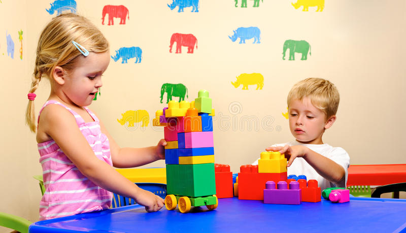 Kindheit Playtime lizenzfreie stockfotografie