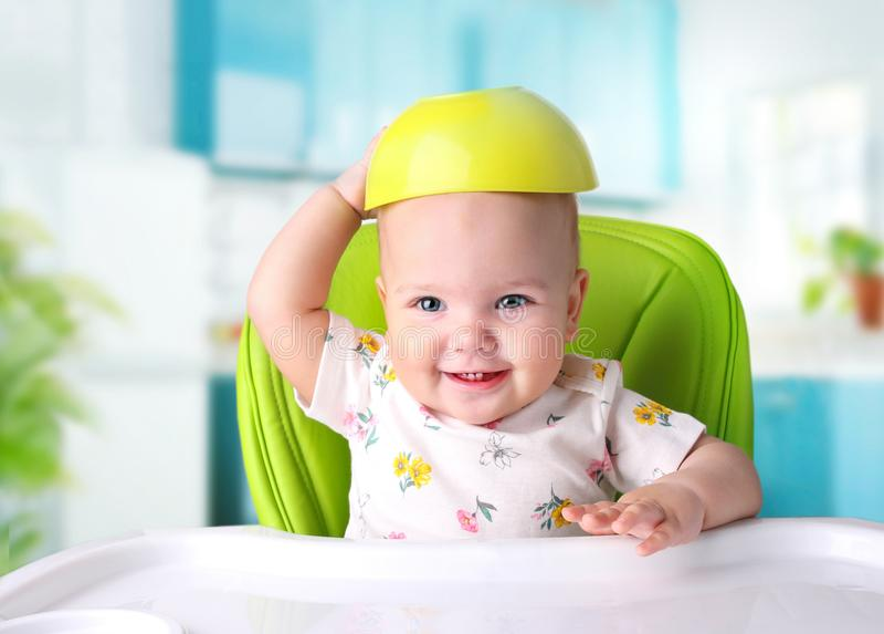 Kindmaaltijd Baby het eten Jong geitje` s voeding royalty-vrije stock afbeeldingen