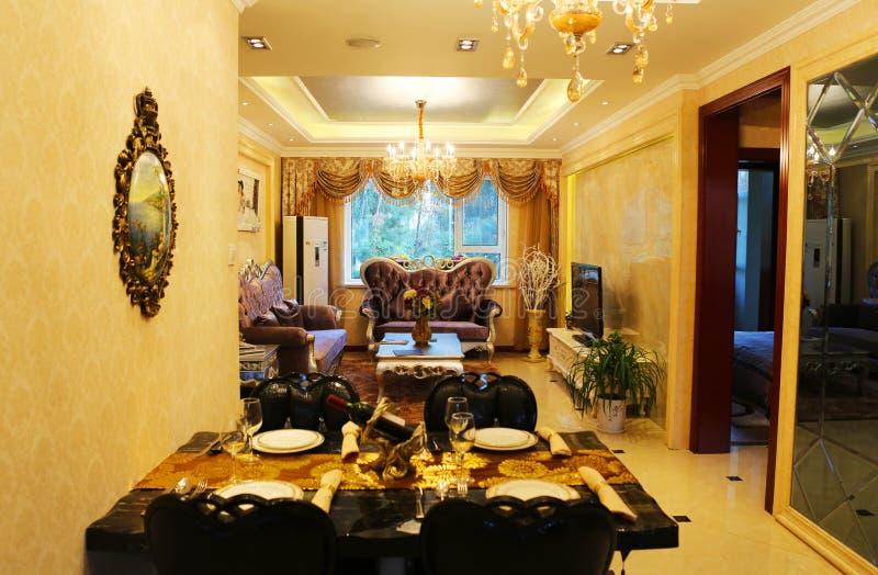 Kines-stil restaurangtabell royaltyfri bild