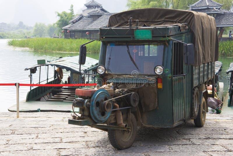 kinesen motorised hjulet för tre transport royaltyfri bild