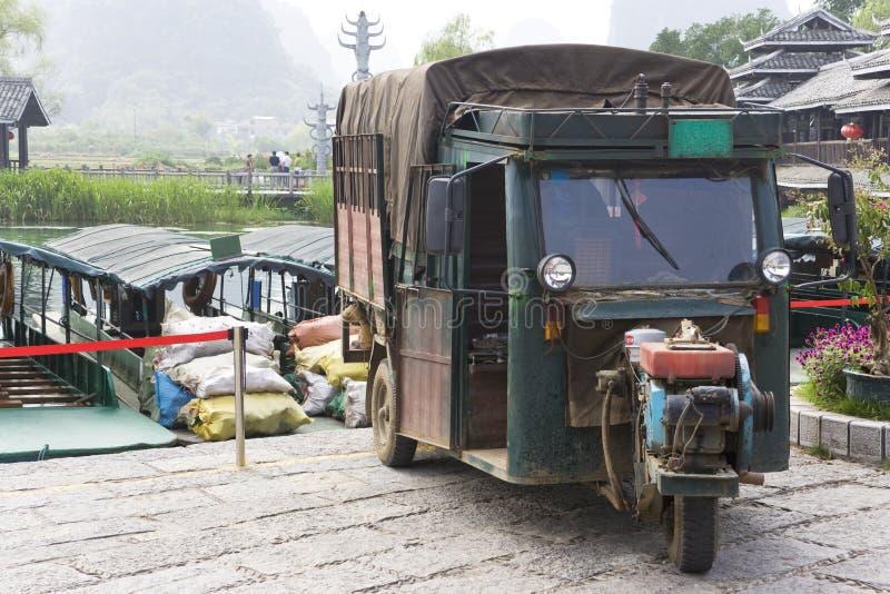 kinesen motorised hjulet för tre transport royaltyfri foto