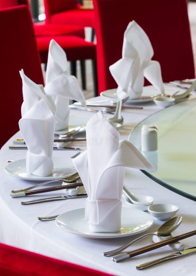 Kinesisk äta middag tabellaktivering royaltyfria bilder
