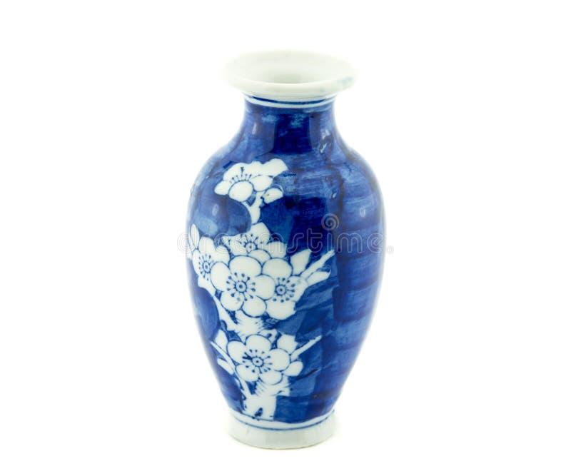 Kinesisk antik gammal vas, inklusive snabb bana arkivbild