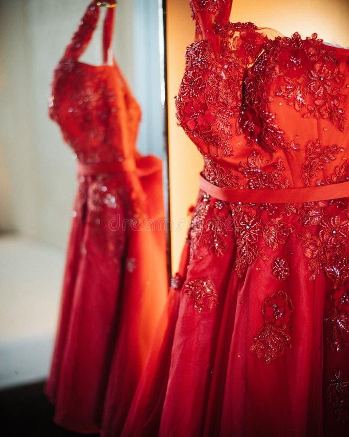 Kinesisk bröllopsklänning arkivfoto