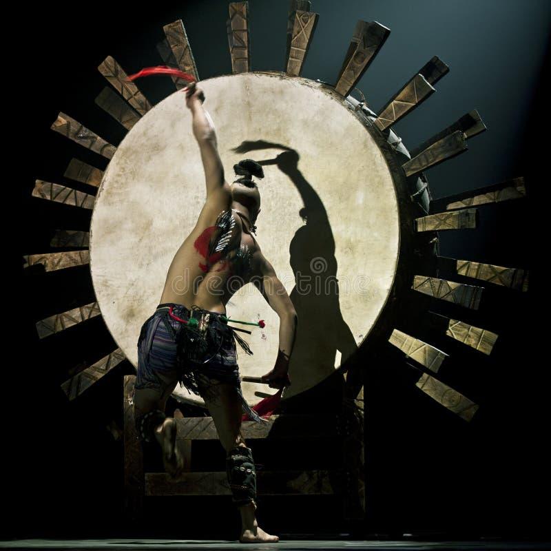 kinesisk dansarenational royaltyfri foto