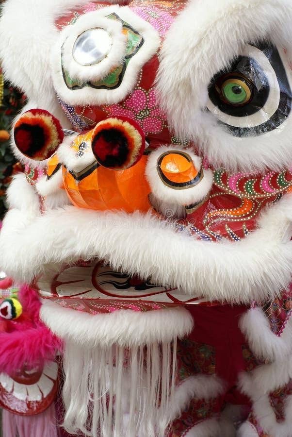 kinesisk danshuvudlion arkivbild