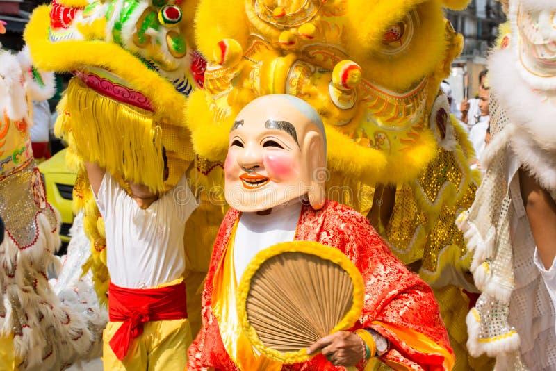 Kinesisk drakedans på den Bangkok Kina staden i vegetarisk festival arkivbild