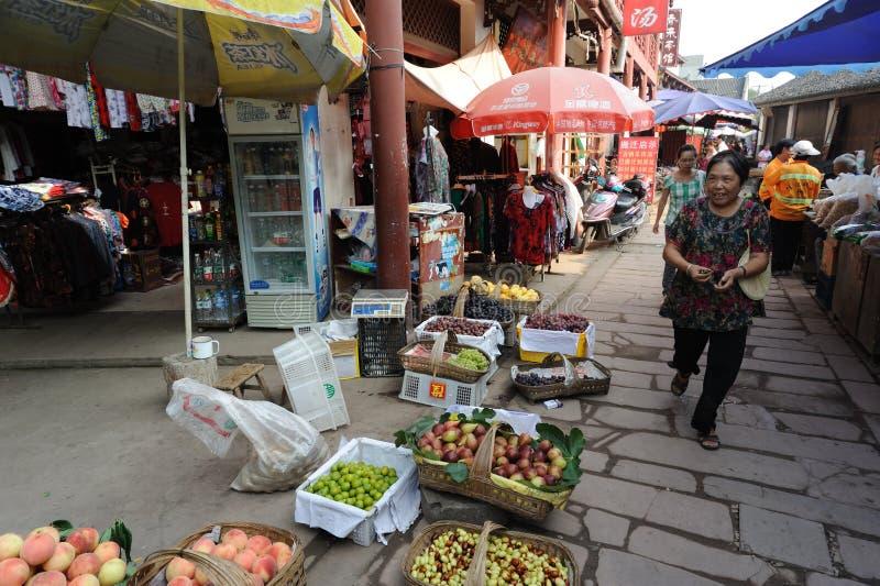 Kinesisk gatamarknad arkivfoto