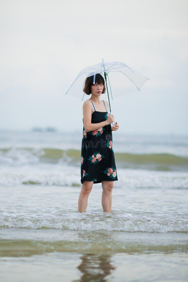 Kinesisk kvinna royaltyfria bilder