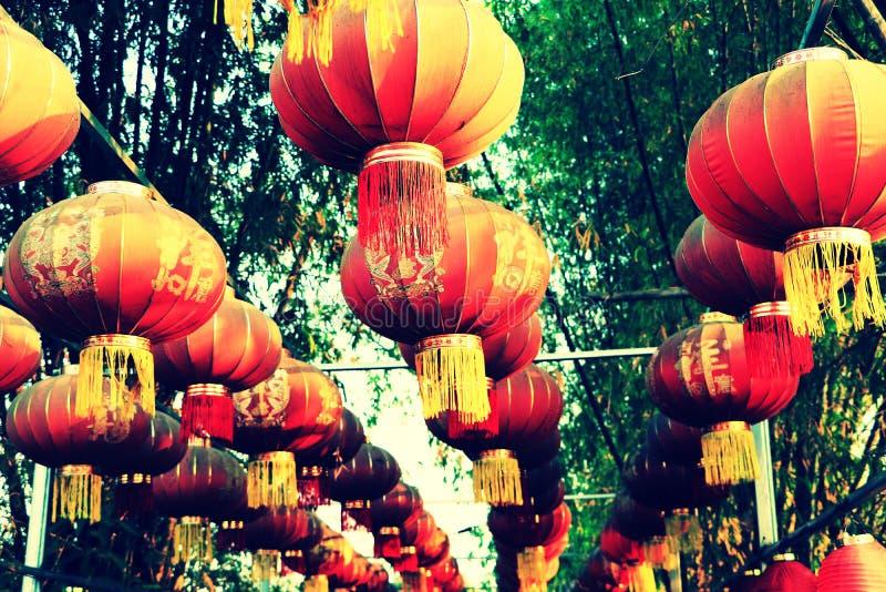 Kinesisk mån- lykta och garneringar för nytt år royaltyfri foto