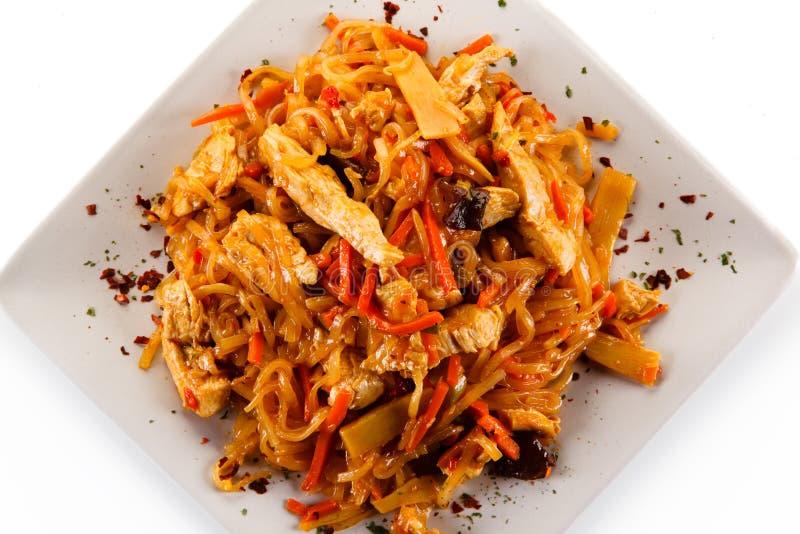 Kinesisk mat med höna royaltyfria foton